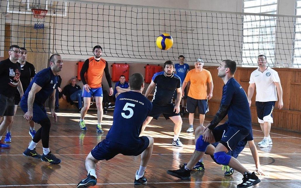 Старт турнира по волейболу