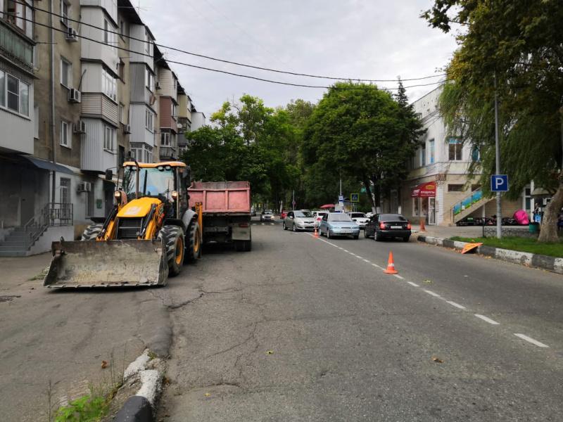 В рамках краевой государственной программы в Туапсе ведется  капремонт дорог