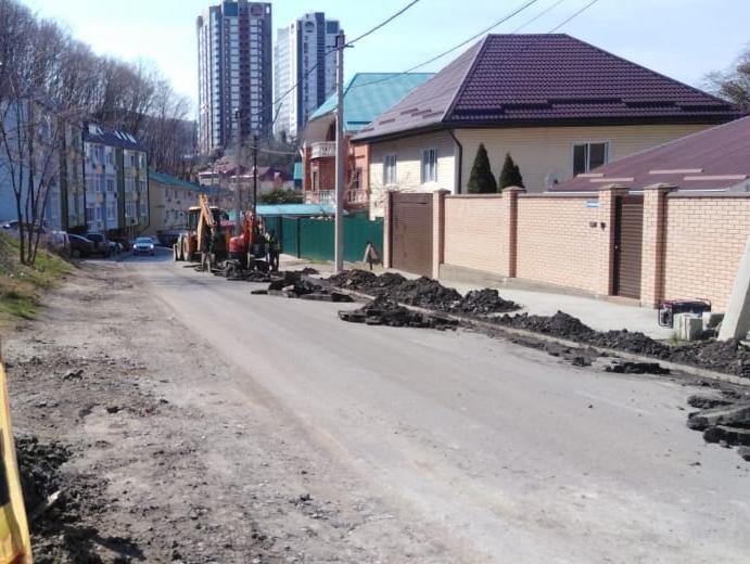 По ул. Калараша в Туапсе строится газопровод