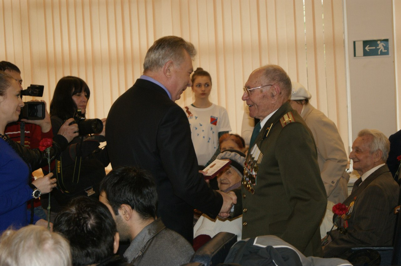 Торжественное вручение медалей