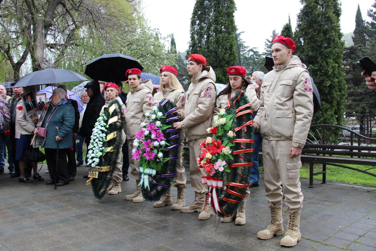 26 апреля, в г.Туапсе, в Сквере Чернобыльцев состоялся митинг, посвящённый 35-й годовщине со дня аварии на Чернобыльской АЭС.