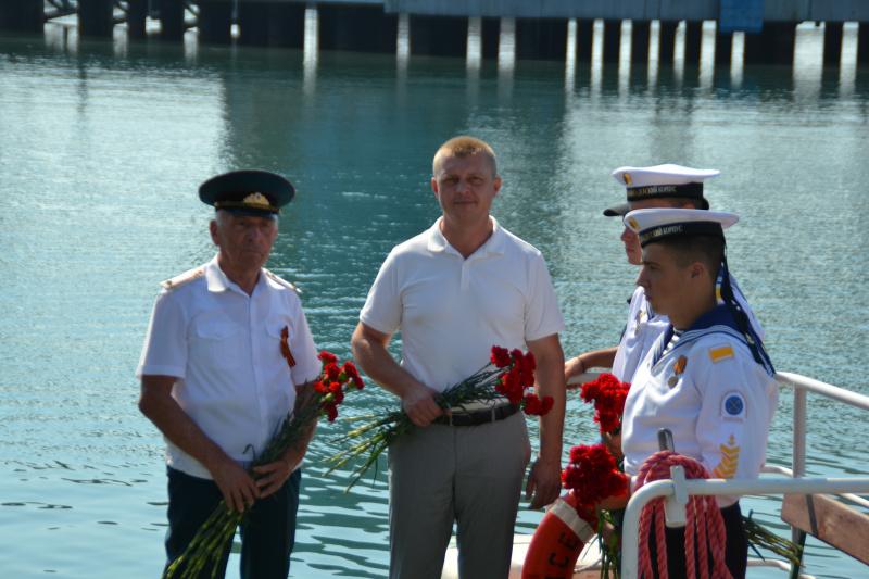 В Туапсе в День 75-летия окончания Второй мировой войны почтили память погибших героев