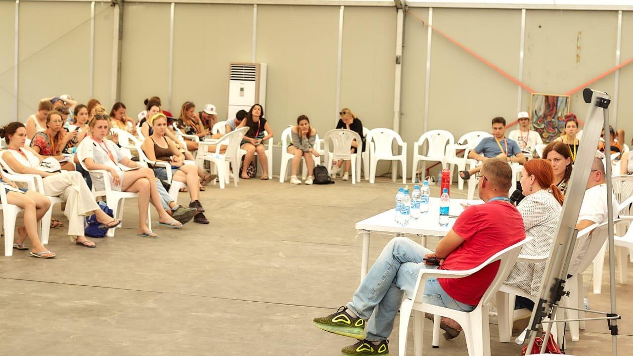 Председатель Молодежного Совета города Туапсе Анастасия Воронина приняла участие в фестивале «Таврида-АРТ»