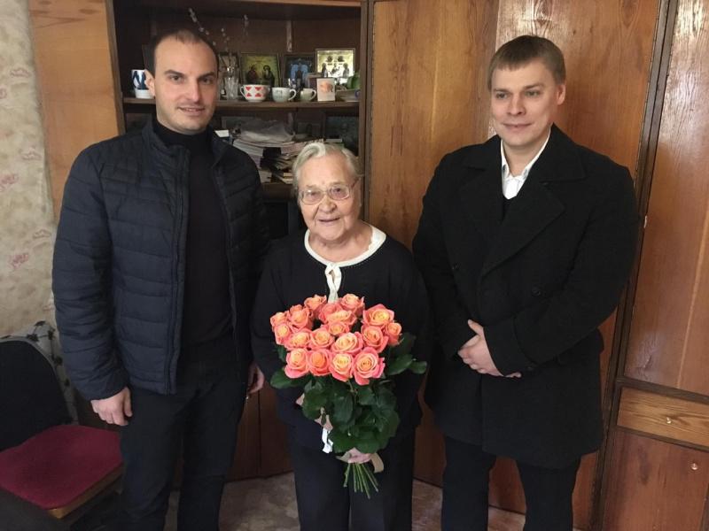 Молодые депутаты поздравили с Днём Рождения вдову Героя Советского Союза