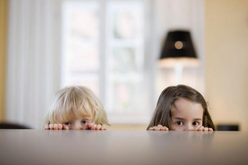Оставление ребенка в опасности влечет уголовную ответственность