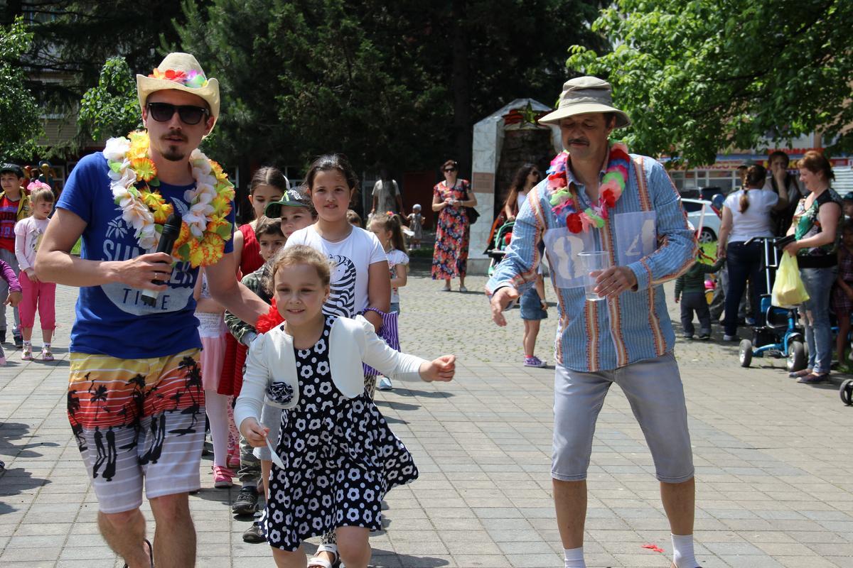 Детства чудные года или как девчонки и мальчишки г.Туапсе отпраздновали День защиты детей