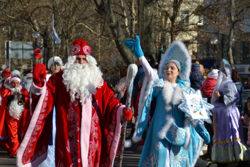 В Туапсе дан старт новогодним торжествам ⠀