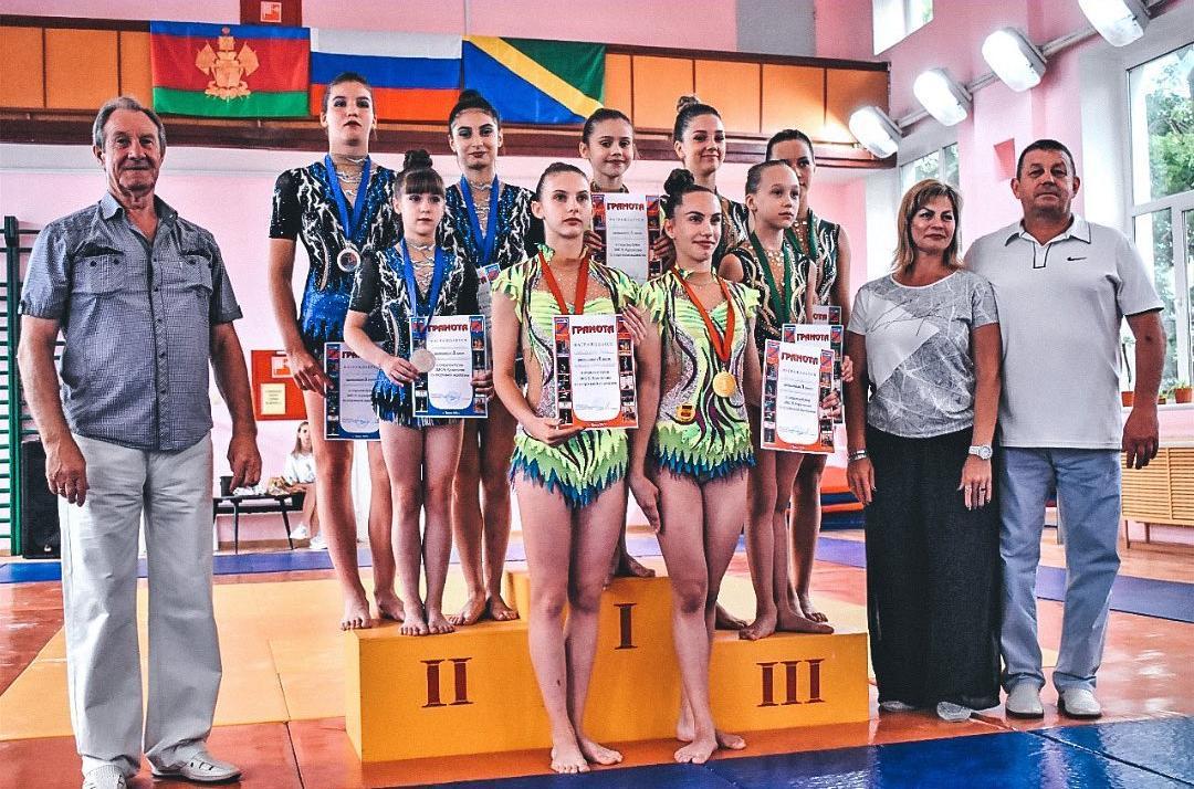 В Туапсе прошел турнир по спортивной акробатике