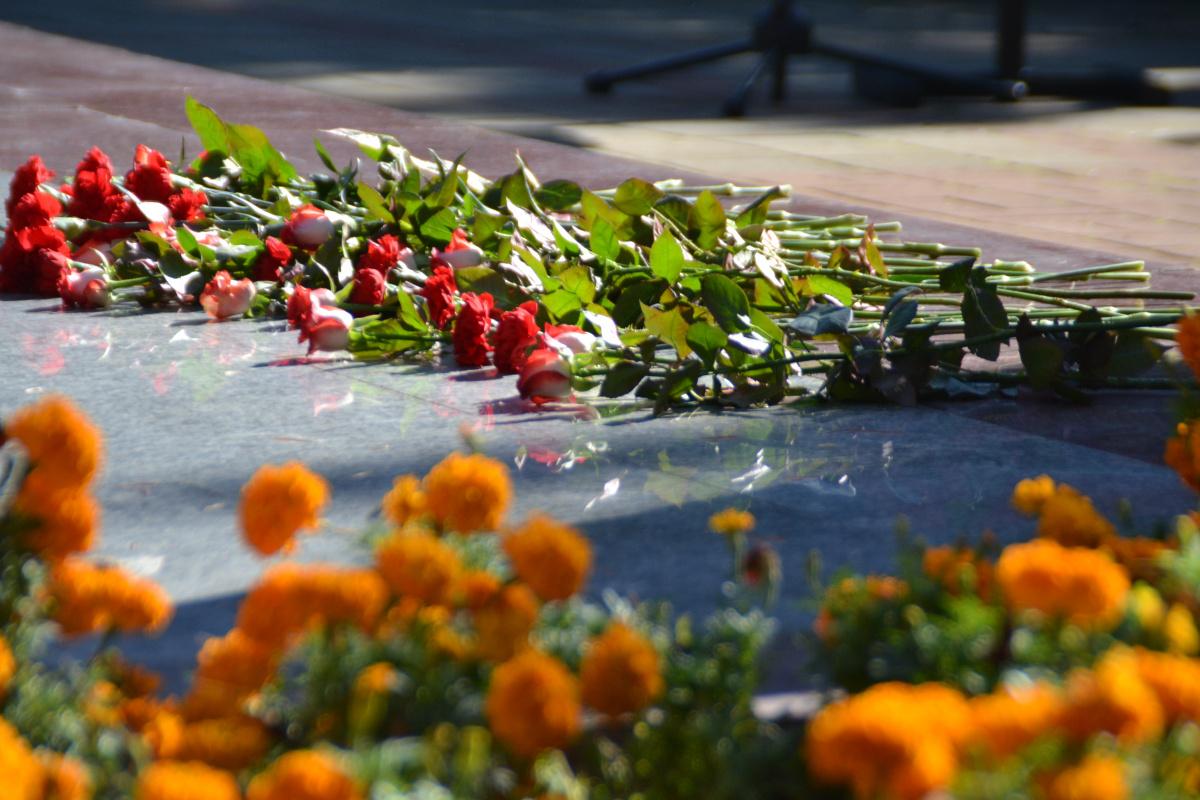 В память о героических защитниках города