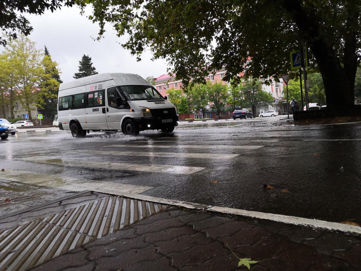 Сегодня в Туапсе в связи с непогодой организовано дежурство аварийных бригад