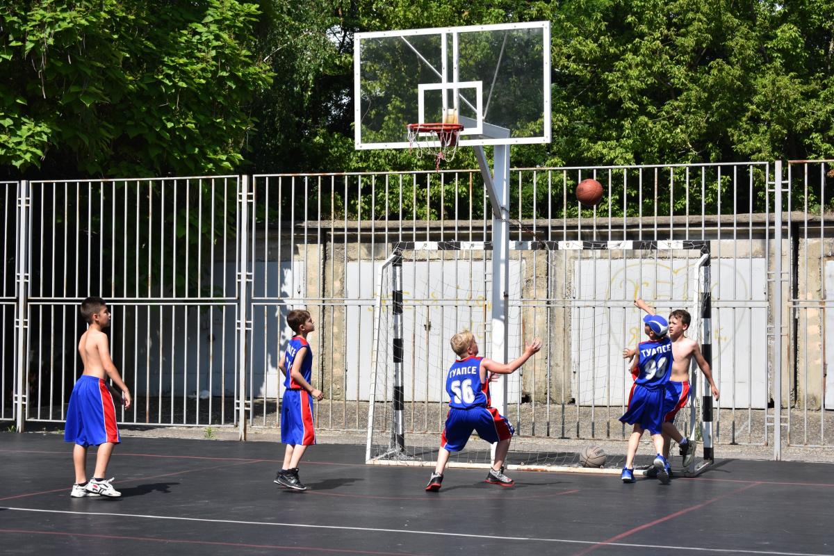 В Туапсе стартовал турнир на Кубок губернатора по стритболу