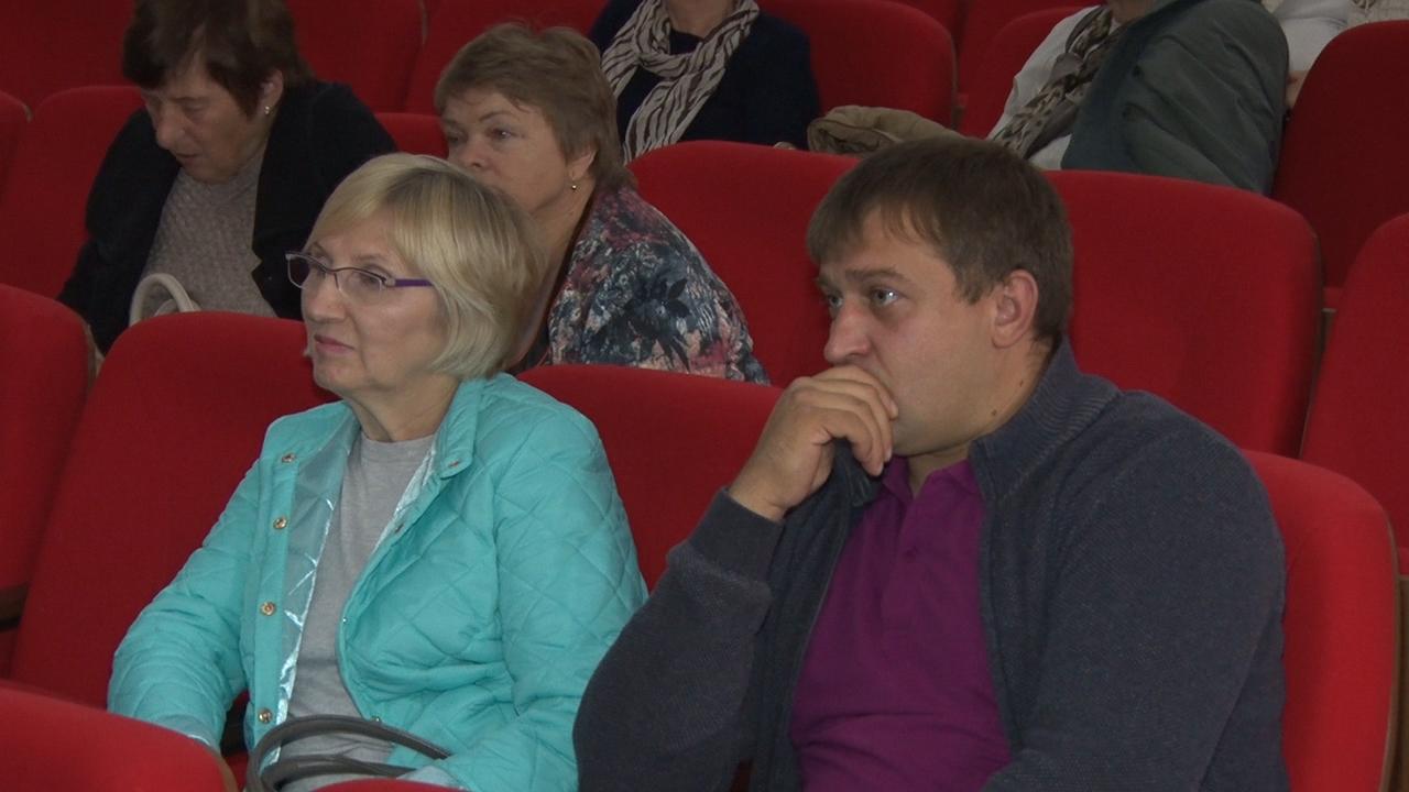 Традиционные осенние встречи депутатов с избирателями начались с округа №5