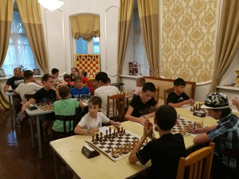 Играйте в шахматы