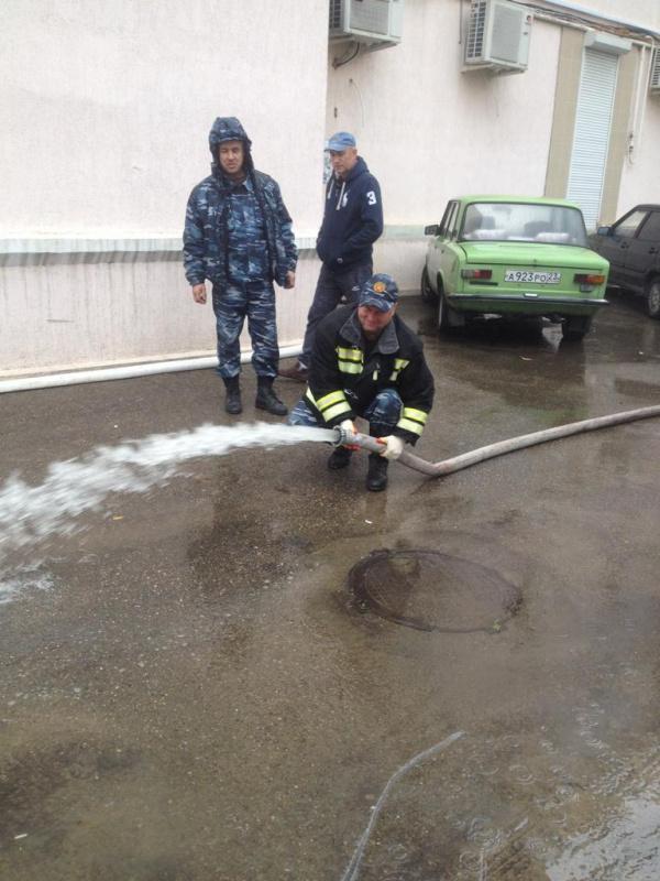 Откачка воды из подвалов многоквартирных домов