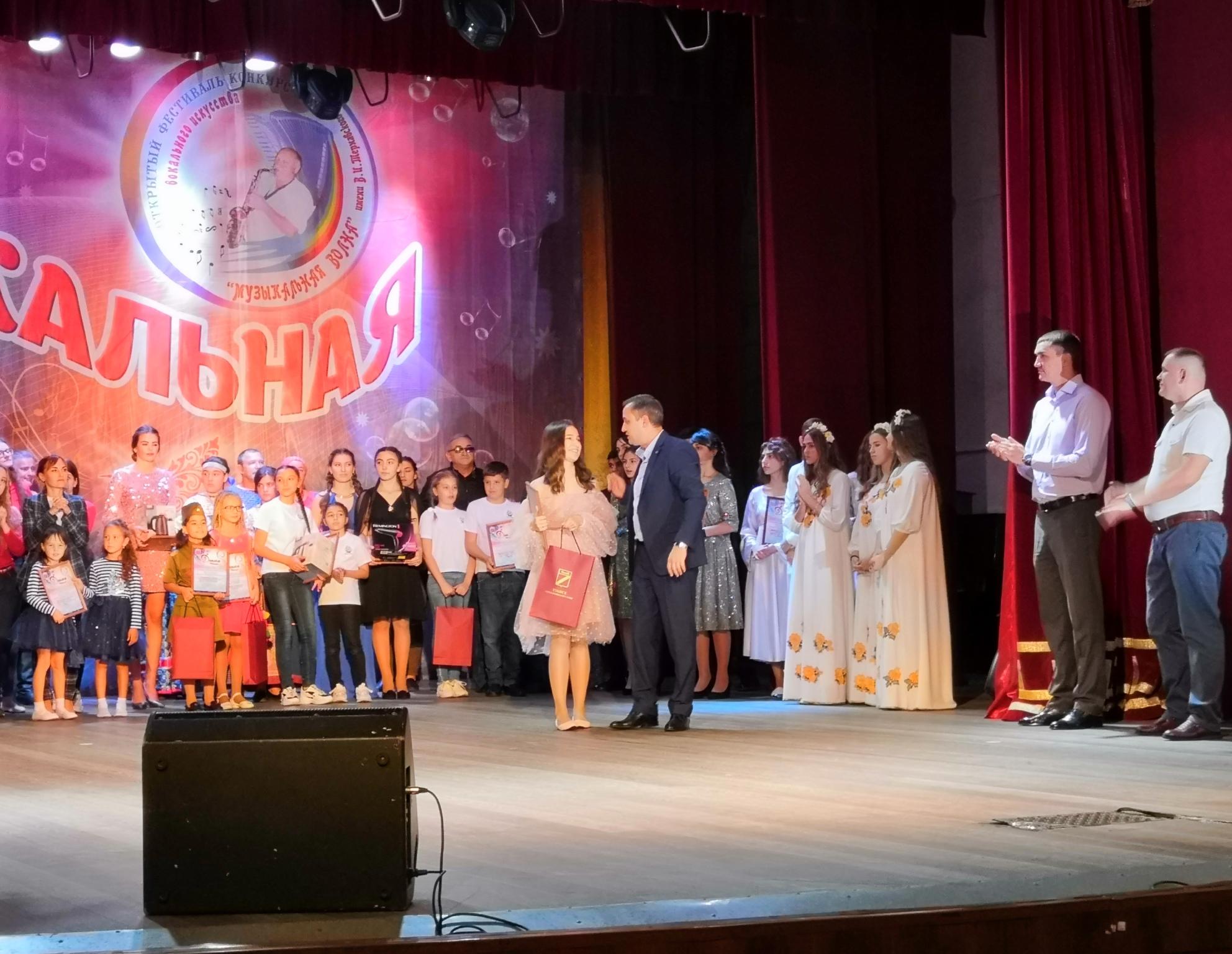 «Теорема» из Апшеронска завоевала гран-при фестиваля «Музыкальная волна»