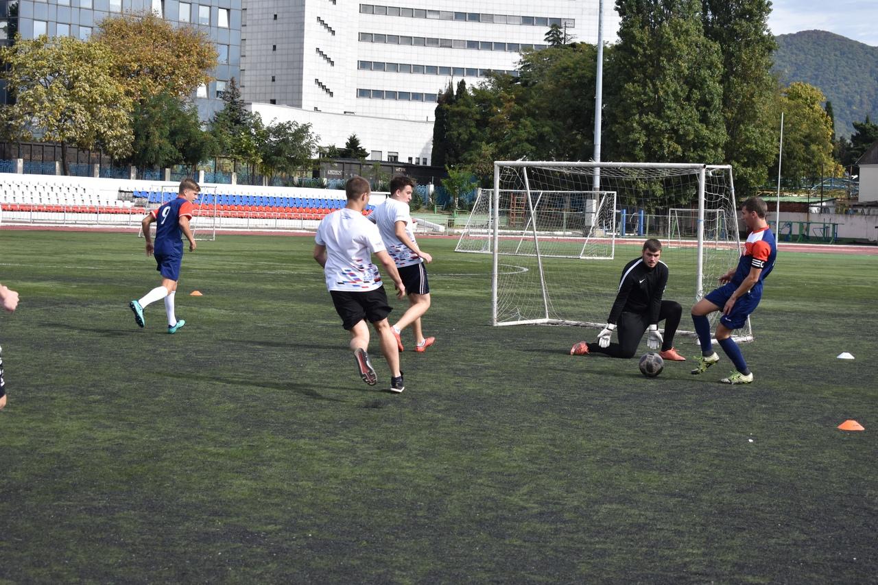 Туапсе играет в мини-футбол