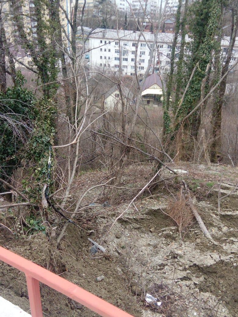 Сход грунта по ул. Кириченко