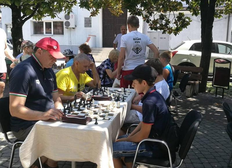 В Туапсе состоялся блиц-турнир по шахматам