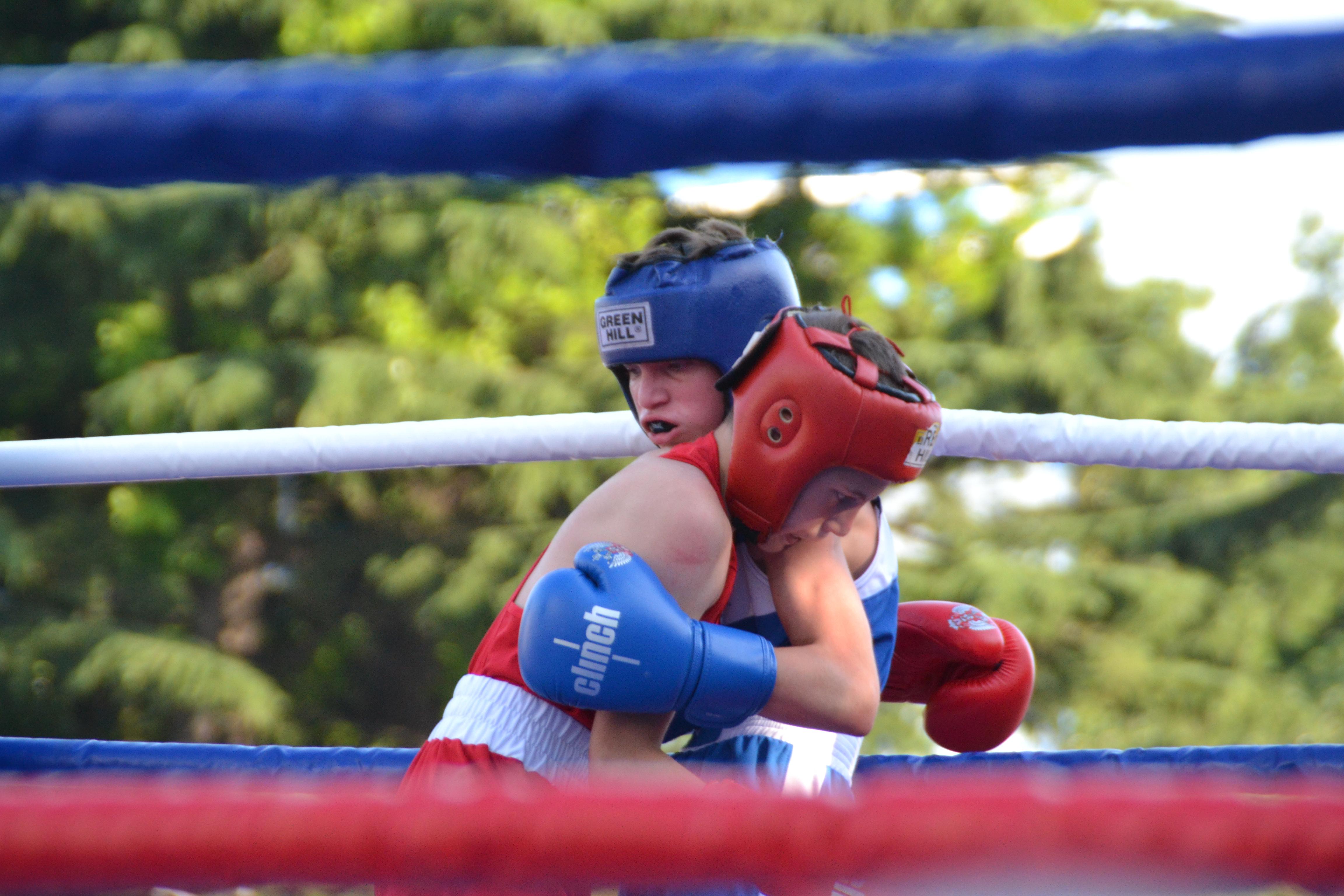 Владимир Зверев дал старт XXII открытому турниру по боксу, посвященному Дню города Туапсе